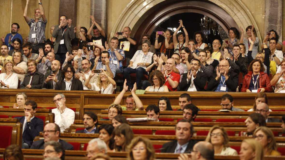 Cataluña aprueba la regulación de grupos de interés